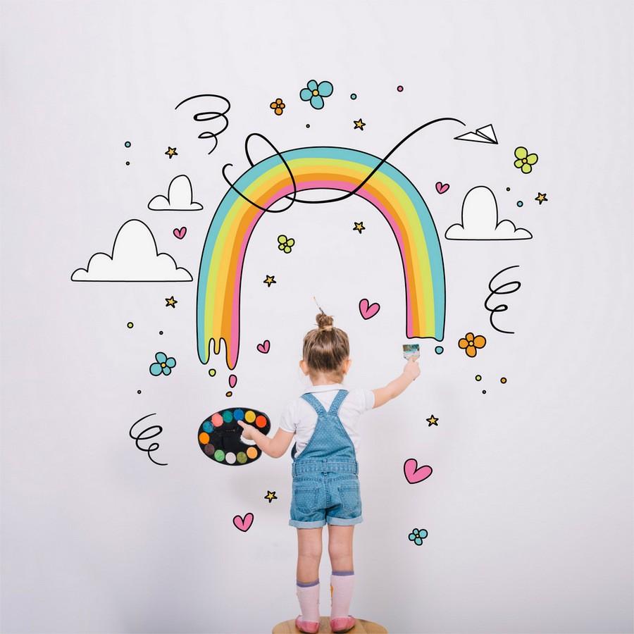 Encourage creativity in child